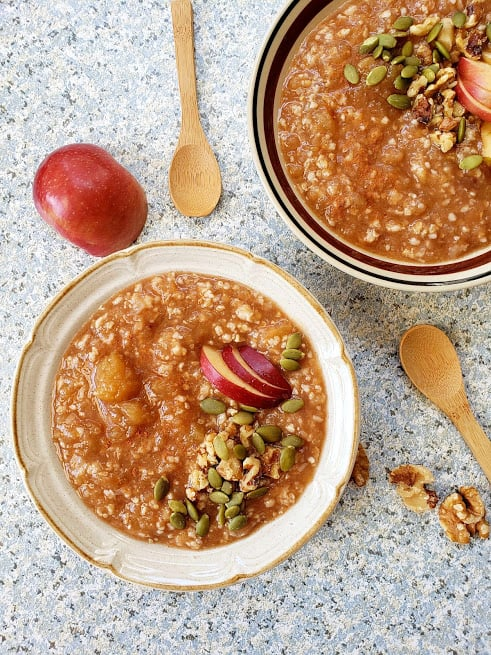 Caramel creamy Apple Pie Oatmeal made in Instantpot is served for breakfast. This easy and healthy recipe includes simple pantry ingredients like oats, cinnamon, maple syrup and nutmeg.