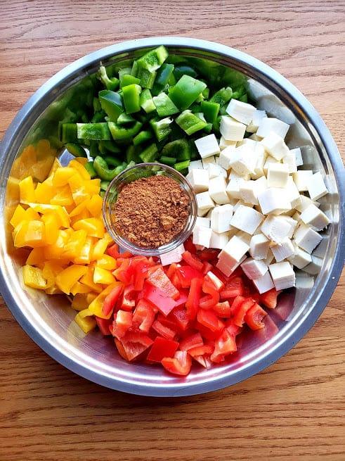 Ingredients needed to make fajita style paneer tacos.