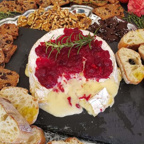 feature image for baked brie cheese party appetizer recipe.